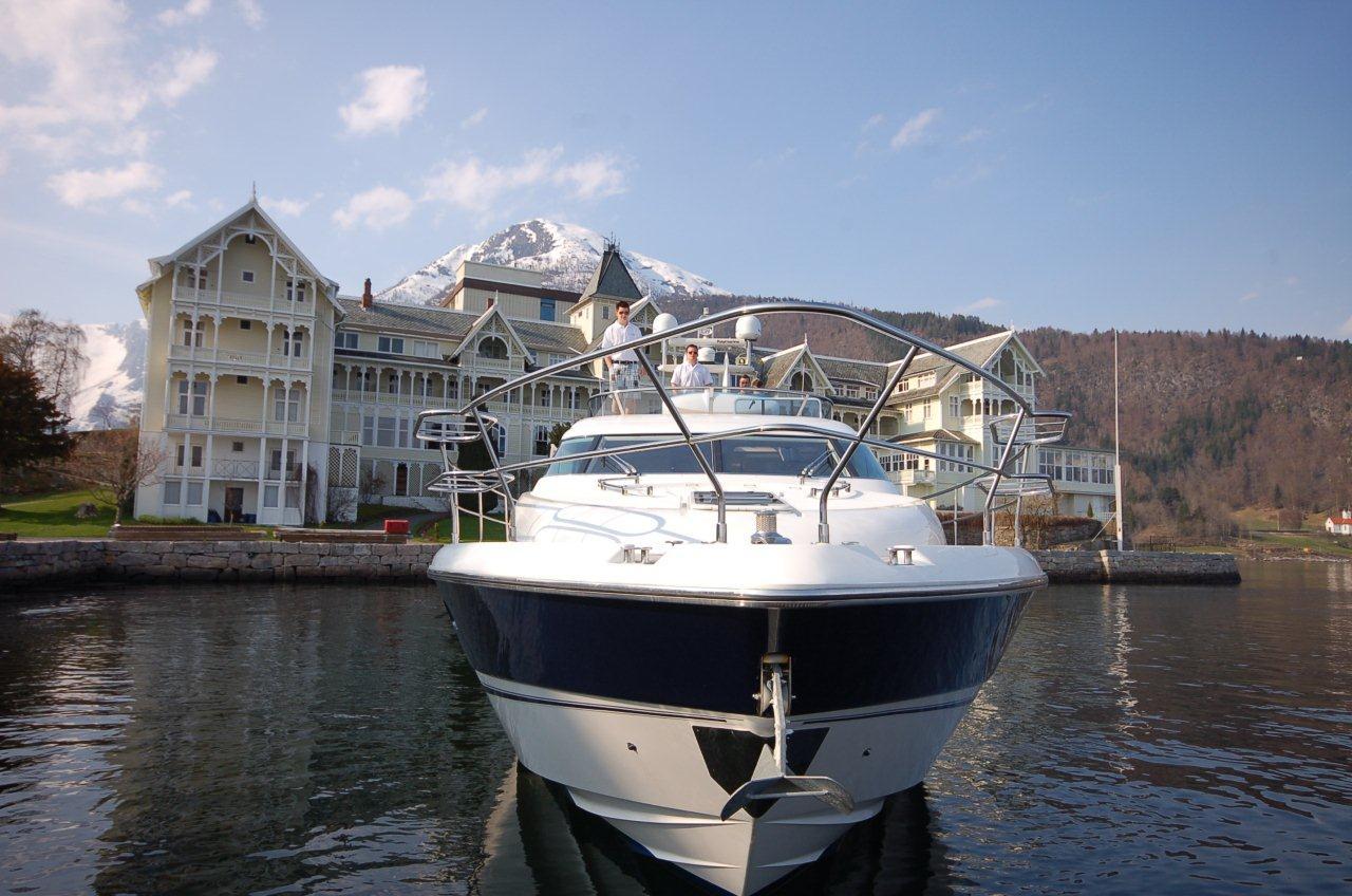 Yacht full size D.jpg