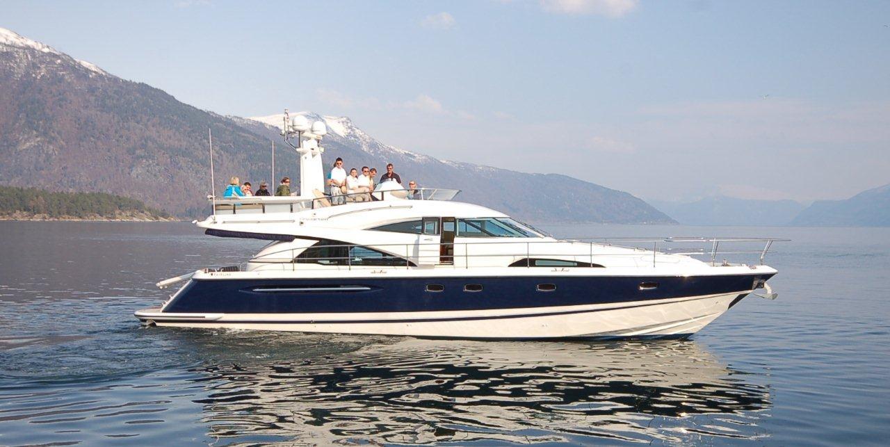 Yacht full size B.jpg