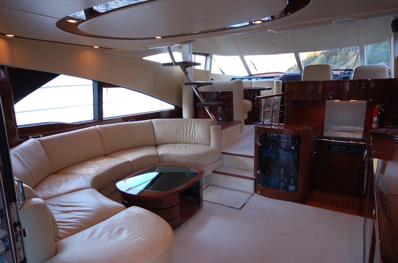 Lounges both B.jpg