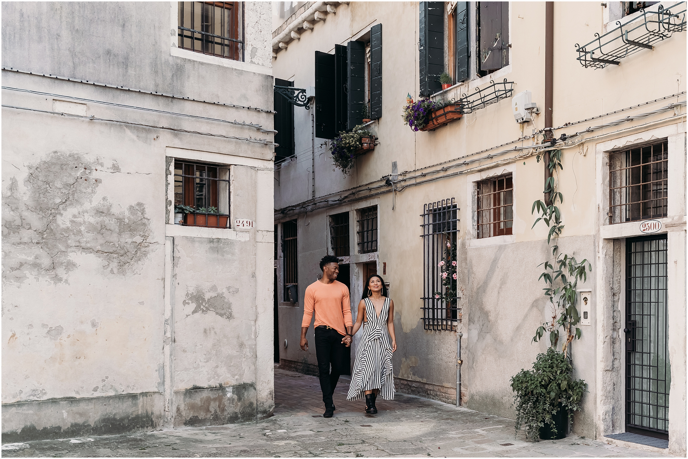 couple-shooting-venice-elopement-in-Venice-Venice-photographer_01.jpg