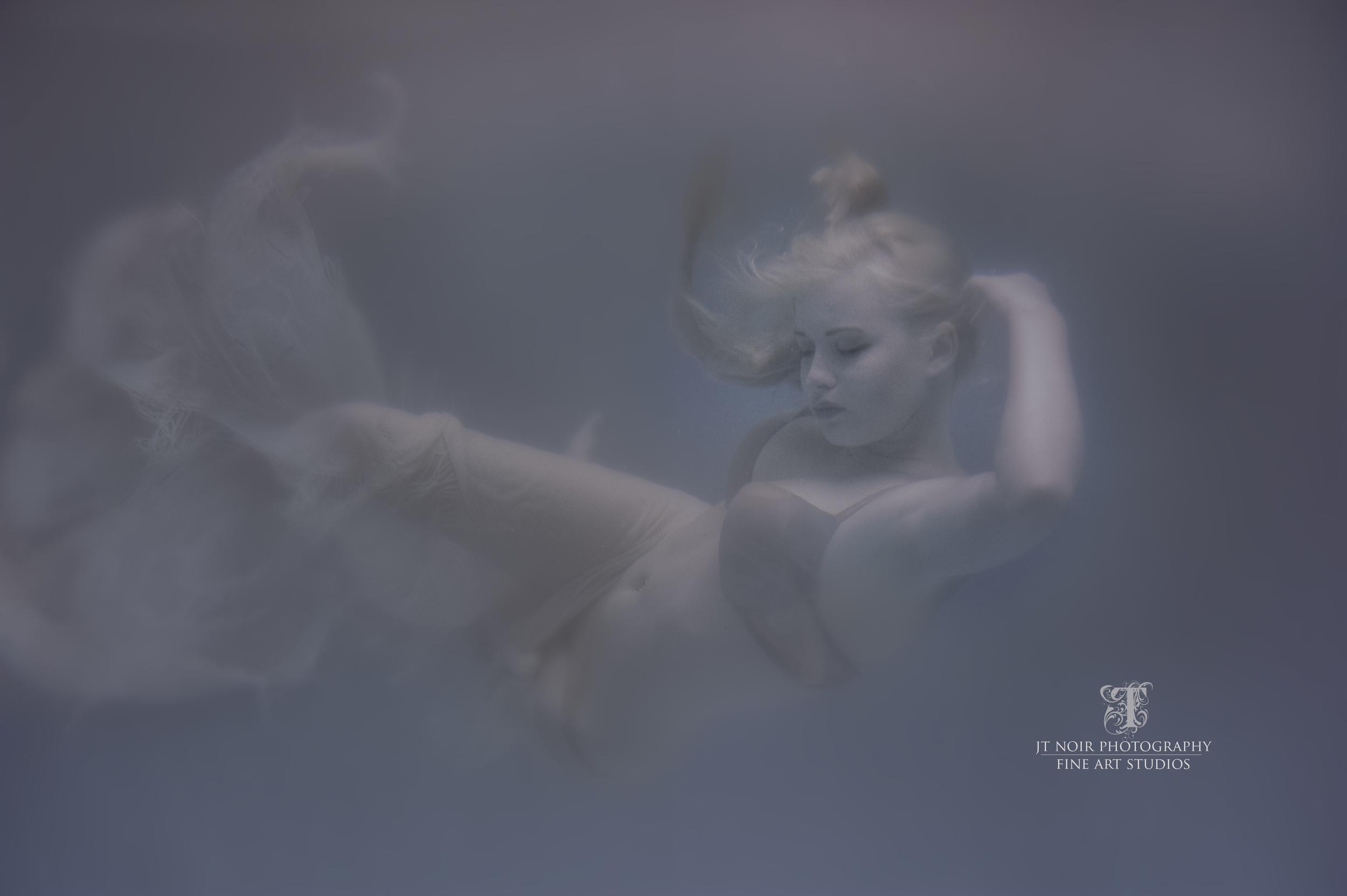 JTNoir_Photography_Underwater_Boudoir_Mandy_6_2015_2.jpg