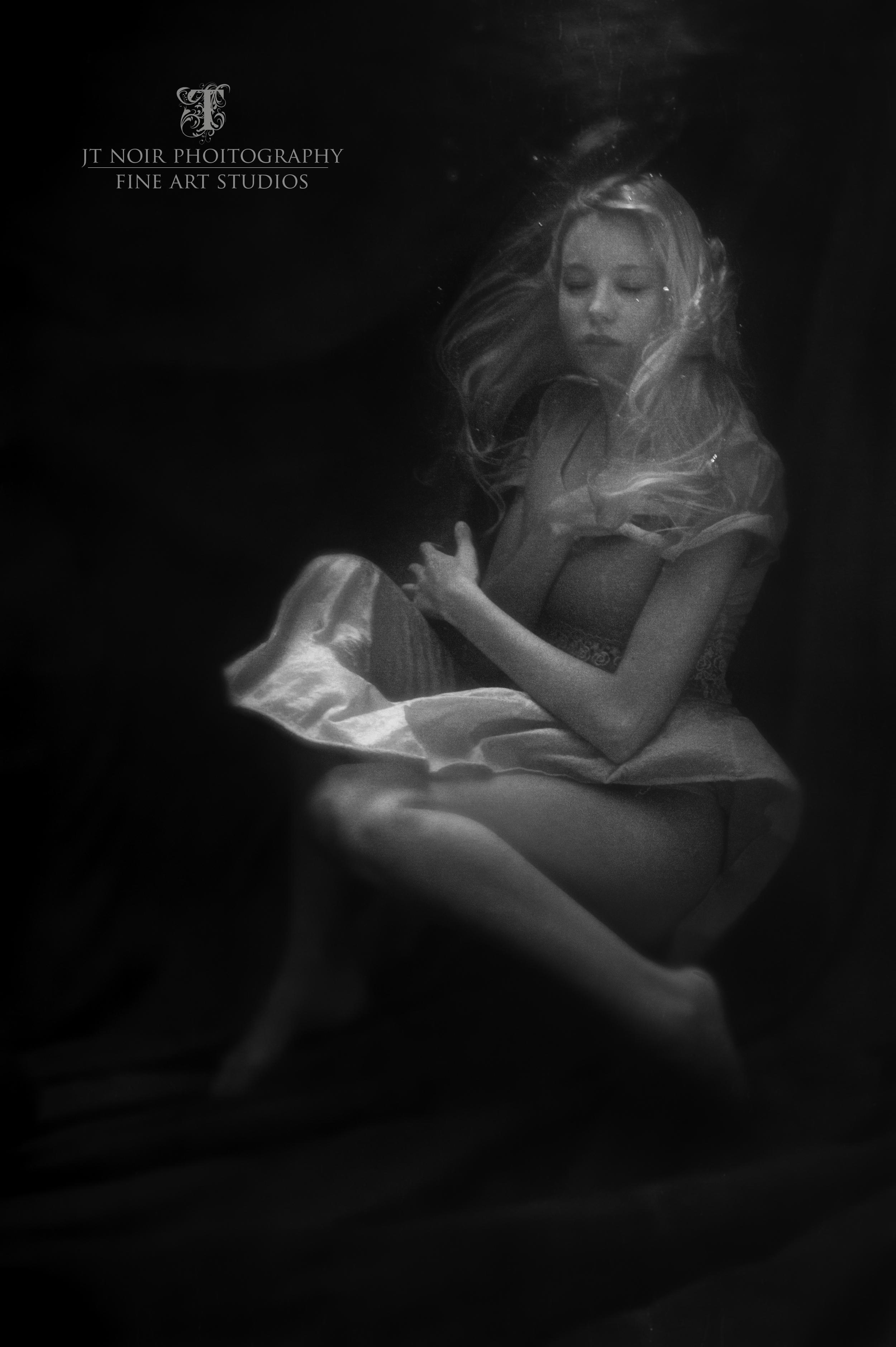 JTNoir_Photography_Underwater_Boudoir_Amber_6_2015_2.jpg