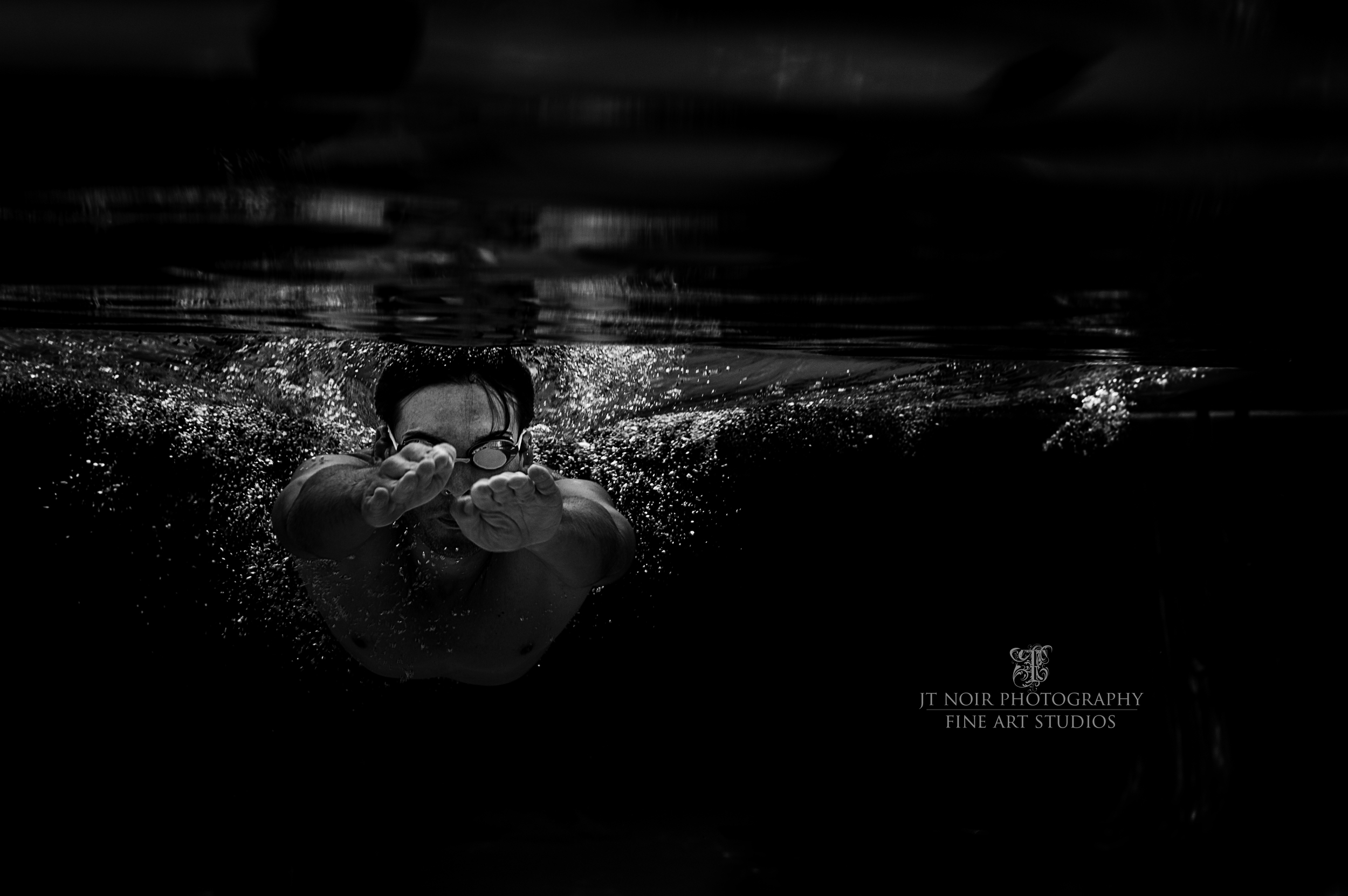 JTNoir_Underwater_mens_2__swimming_Photography_Palatka_underwaterphotography_7_2015_Flying.jpg