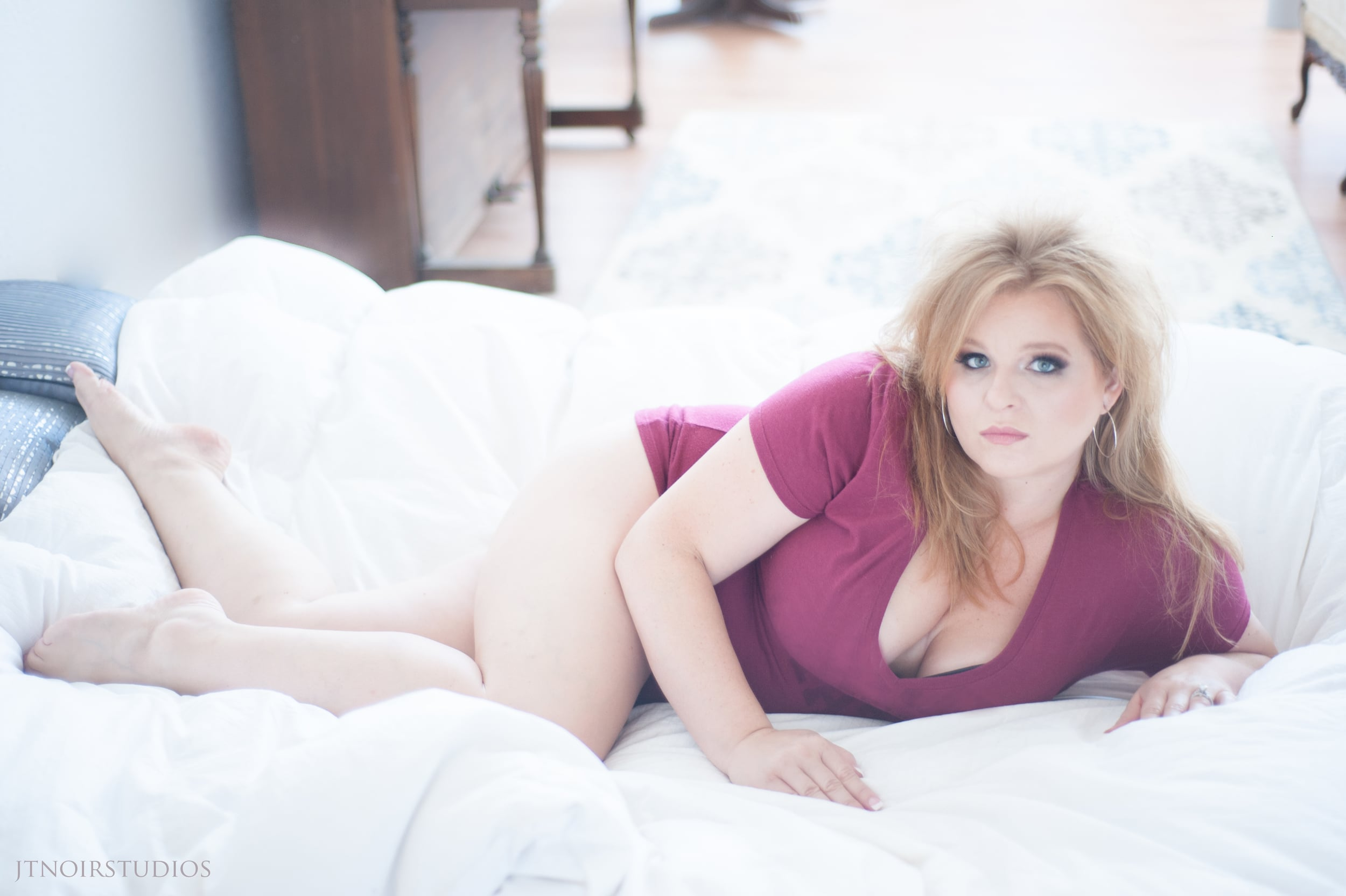 JTNoir_Photography_Brandi_Boudoir_6_2015-9 copy.jpg