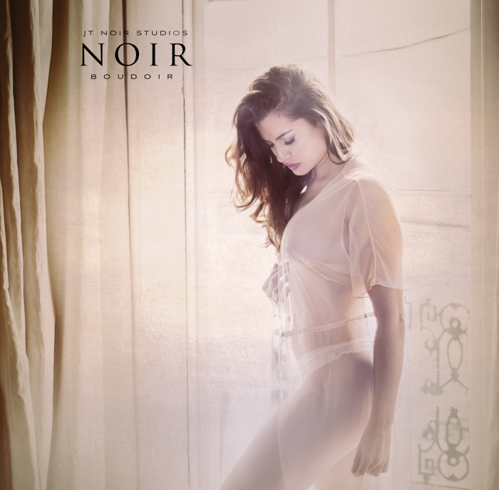 JTNoirStudios_NewOrleans_Victoria_Boudoir-1.jpg