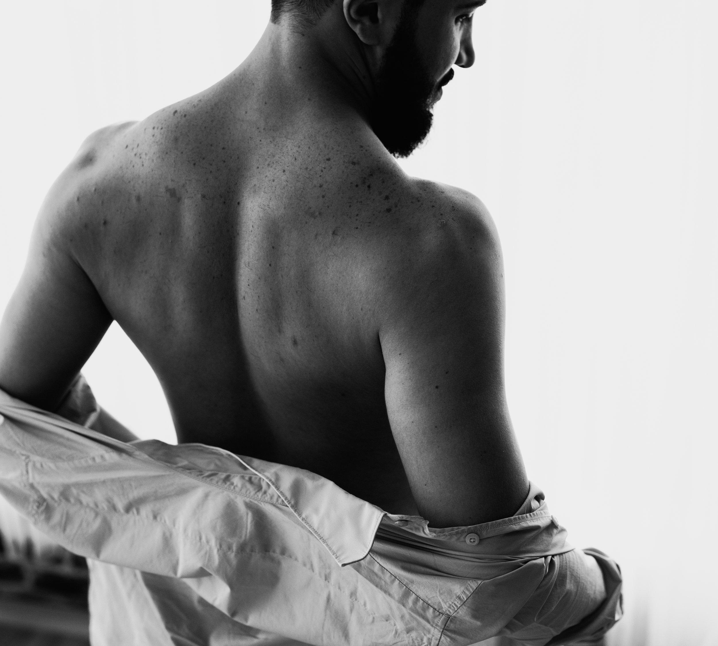 JTNoirStudios_Andres_Male_Boudoir_Portraits_Blackandwhite-4.jpg