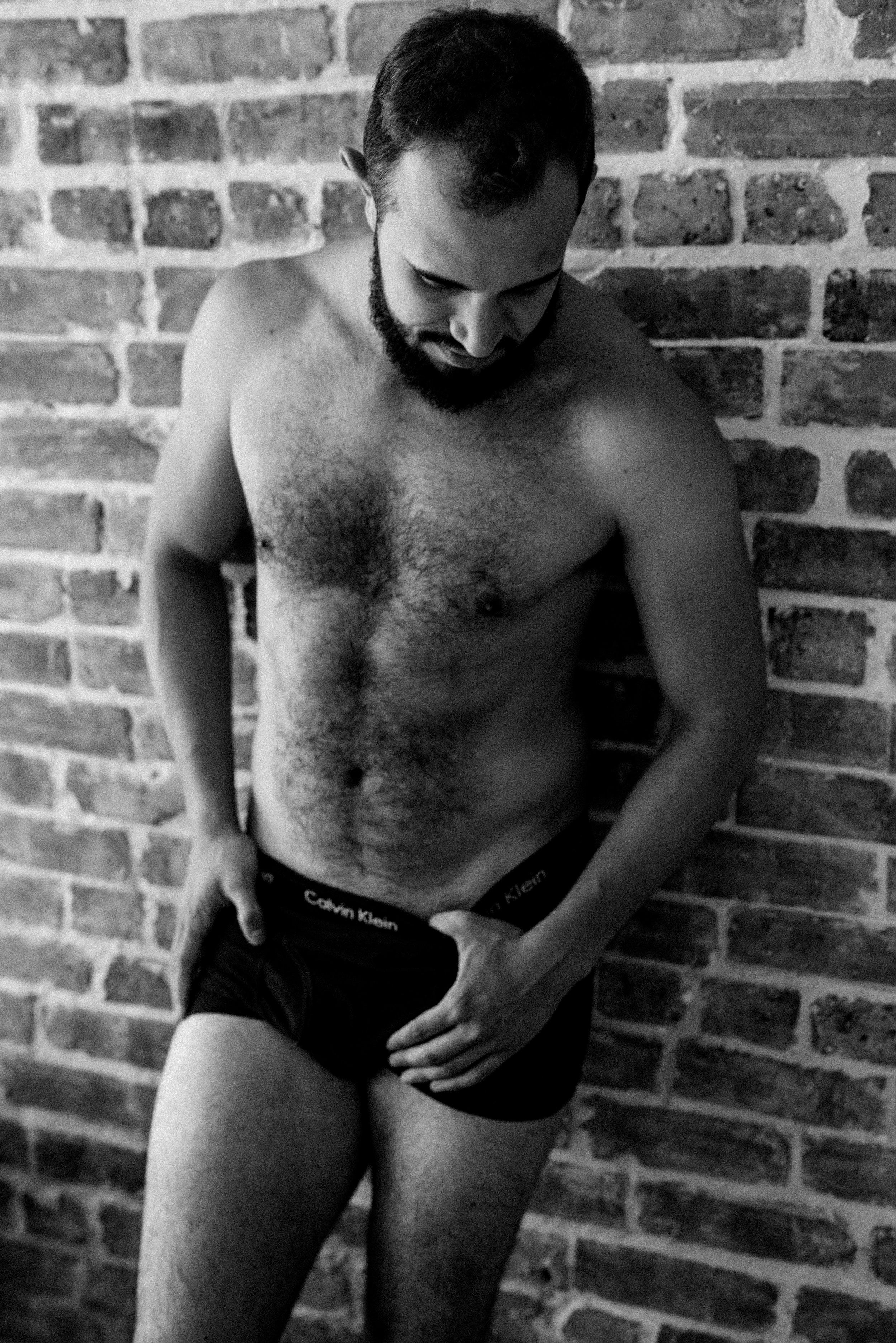 JTNoirStudios_Andres_Male_Boudoir_Portraits_Blackandwhite-8-2.jpg