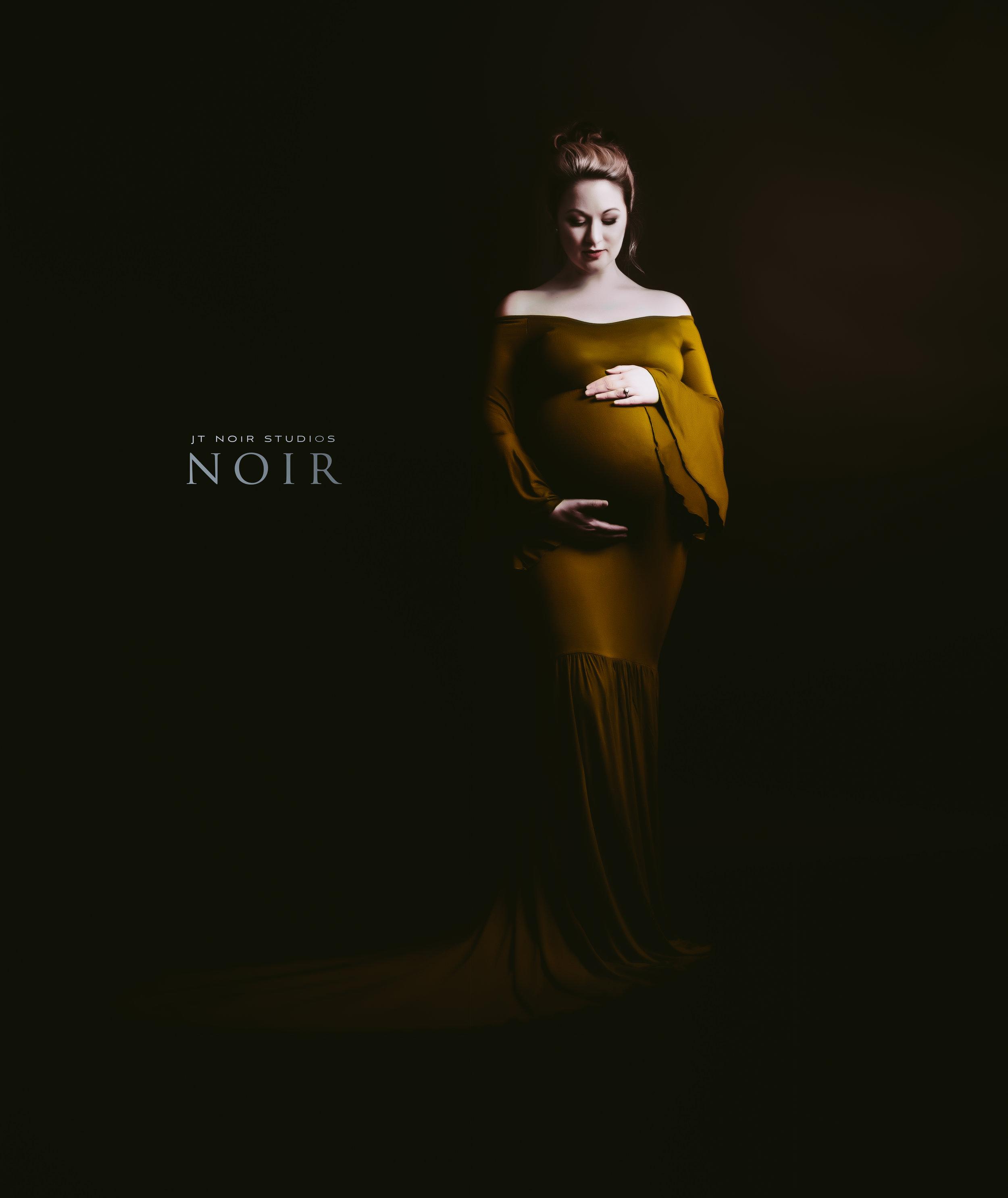 JTNoirStudios_LaurenBarnes_Maternity -2.jpg