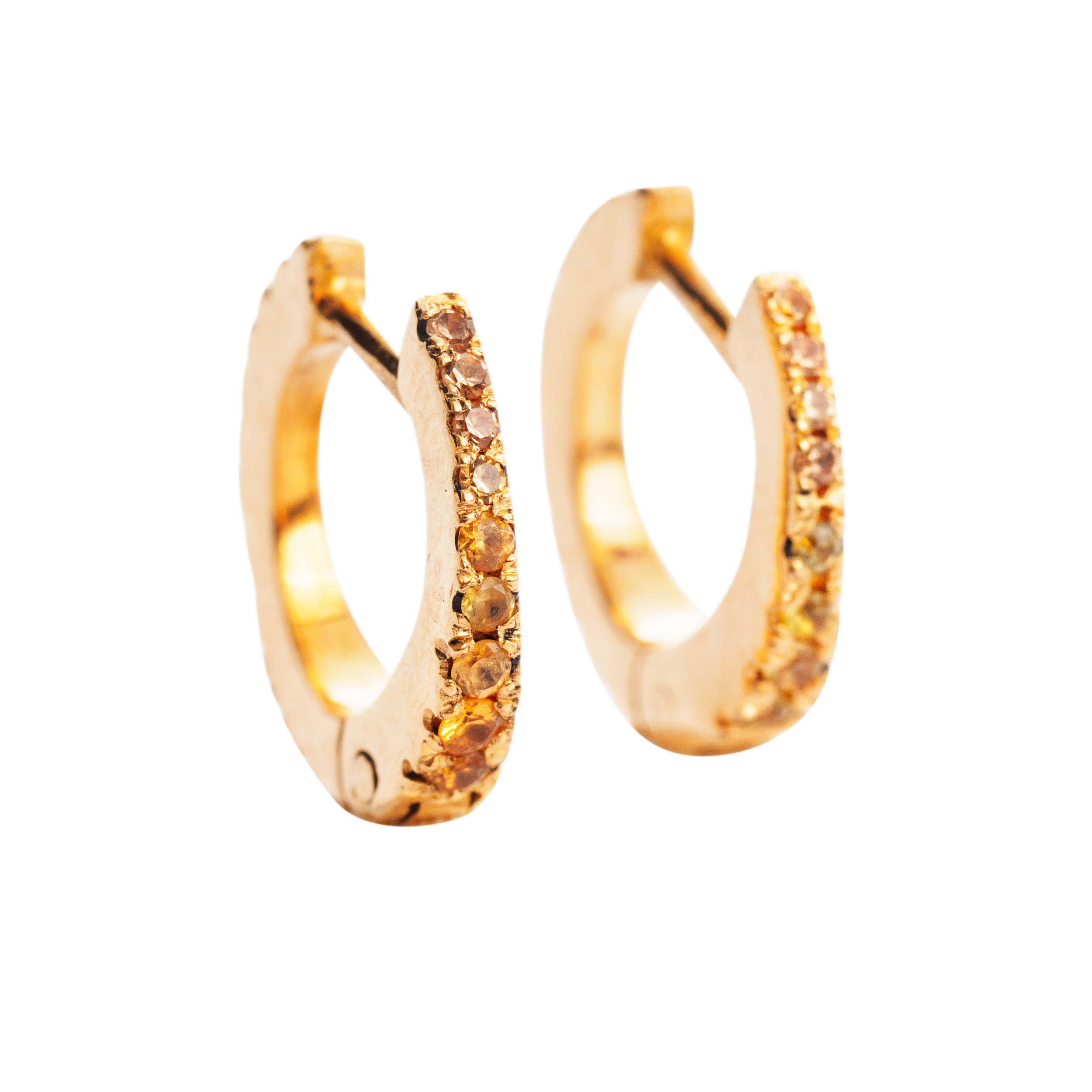 GOLDEN HOOPS WITH YELLOW SAPPHIRES   8.000 NOK   18 kt gold and yellow sapphires