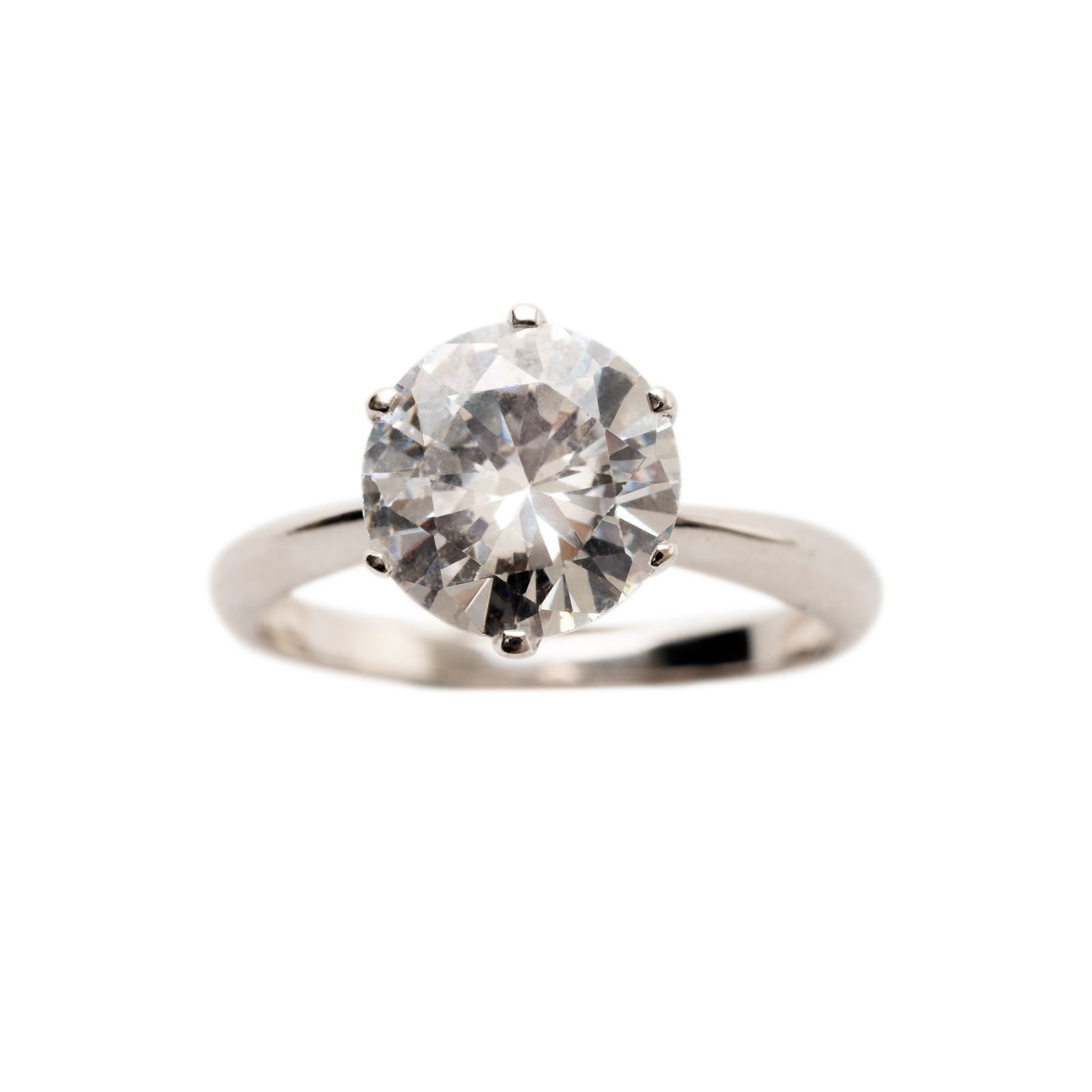 SOLITAIRE RING PRICE UPON REQUEST   18 kt gold with 2 kt River diamond
