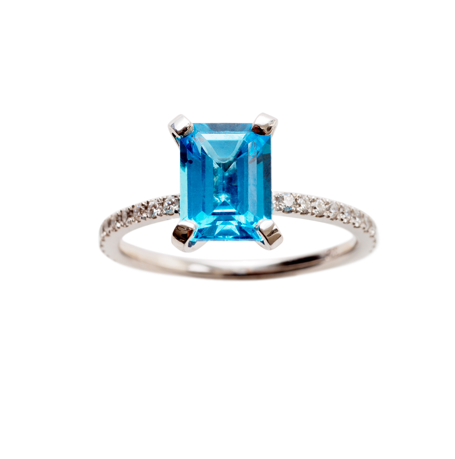 ST. TROPEZ RING 22.500 NOK. 18 kt gold with diamonds and blue topaz