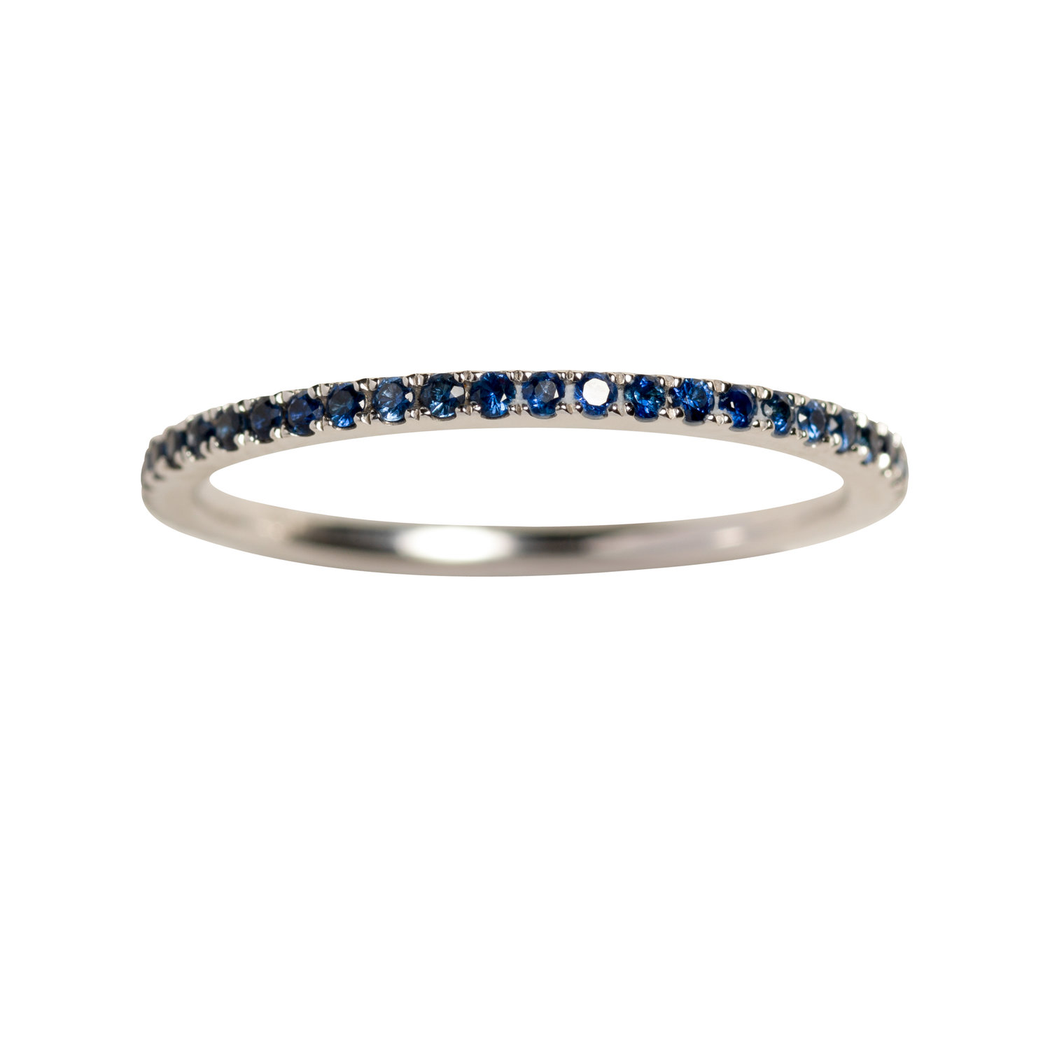 PETIT OLIVIA RING 16.000 NOK. 18 kt gold with blue sapphires