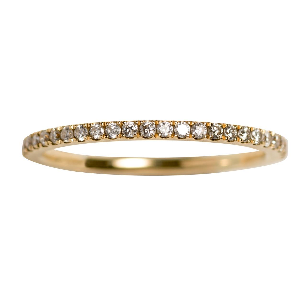 PETIT OLIVIA WEDDING RING - 17.500 NOK. 18 ct yellow gold. 0,33 ct diamonds.