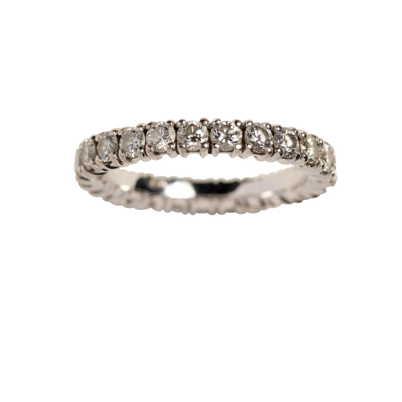 CHUNKY OLIVIA WEDDING RING - 40.000 NOK. 18 ct white gold. Diamonds.