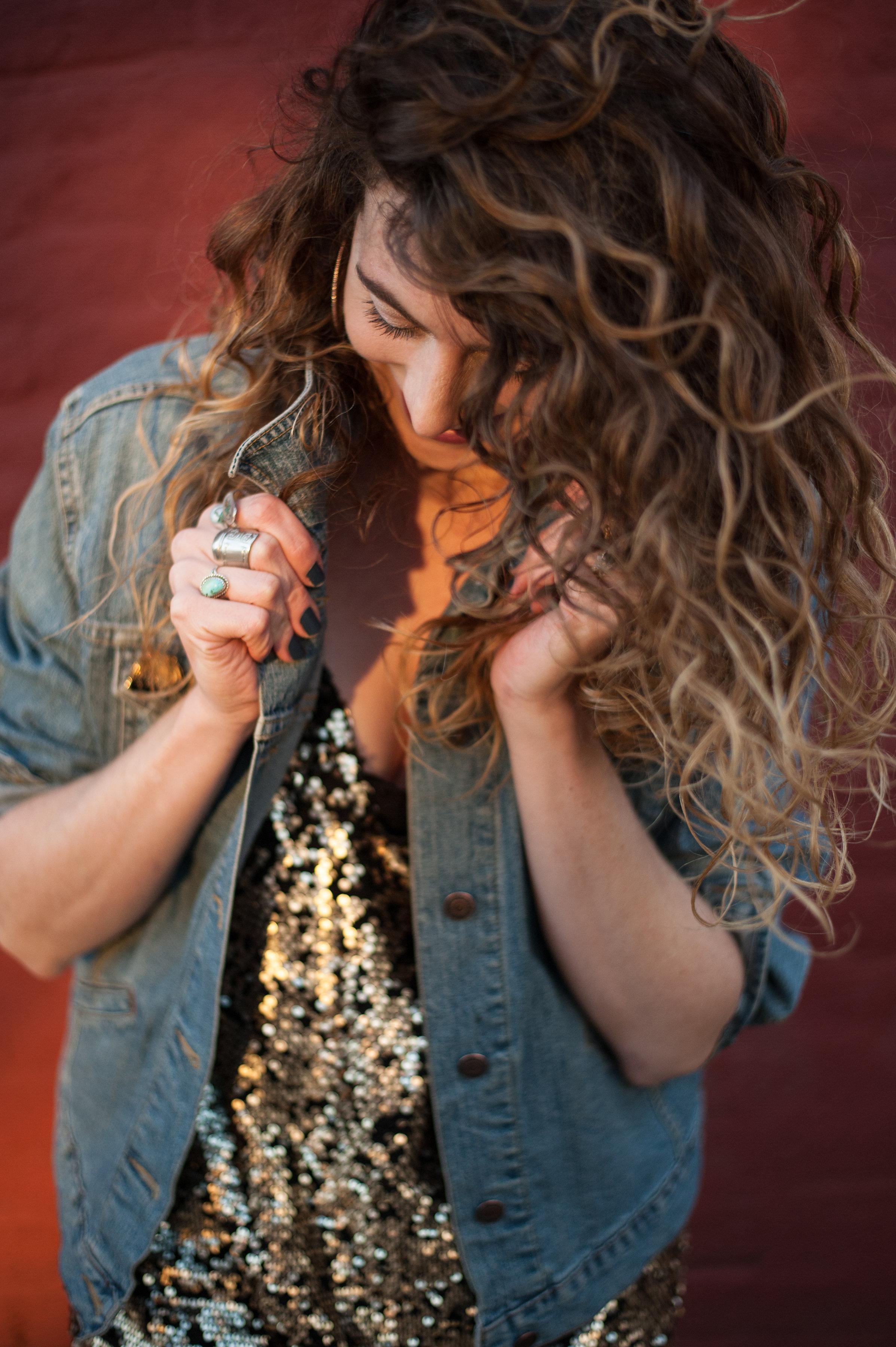 Wavy Alabaster x Sarah Collins Photography