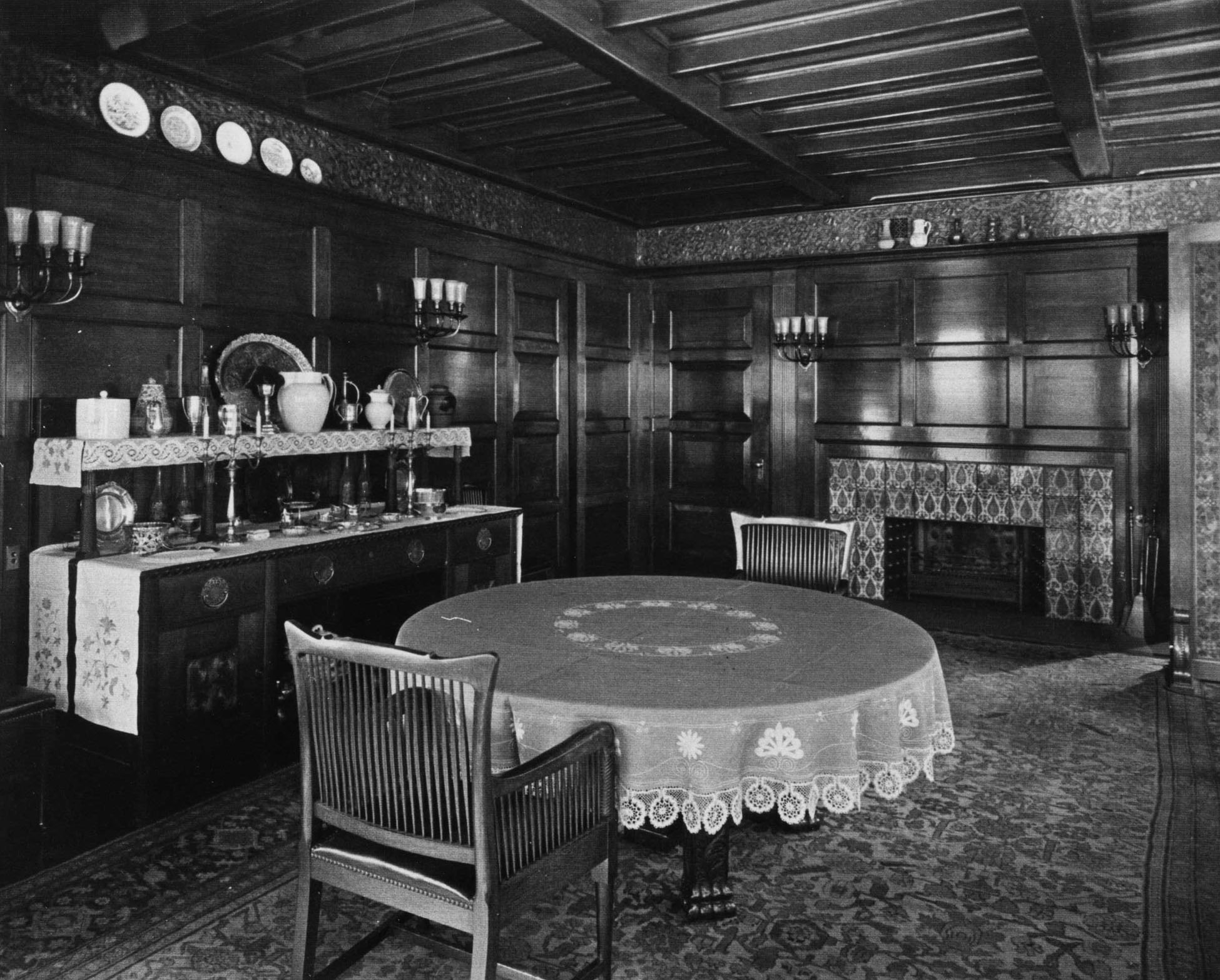 The bowl on the top shelf at the left in 1923, photo courtesy of the Glessner House Museum.