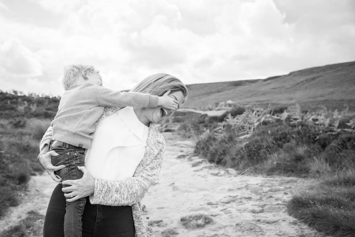 family photographer leeds - family photography - natural family photography in yorkshire leeds and harrogate (1 of 5).jpg