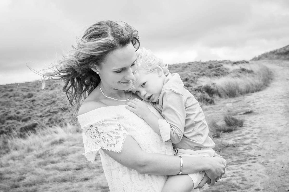 family photographer leeds - family photography - natural family photography in yorkshire leeds and harrogate (4 of 5).jpg
