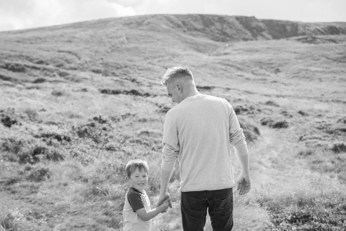 family photographer leeds - natural family photography in yorkshire leeds and harrogate (10 of 18).jpg