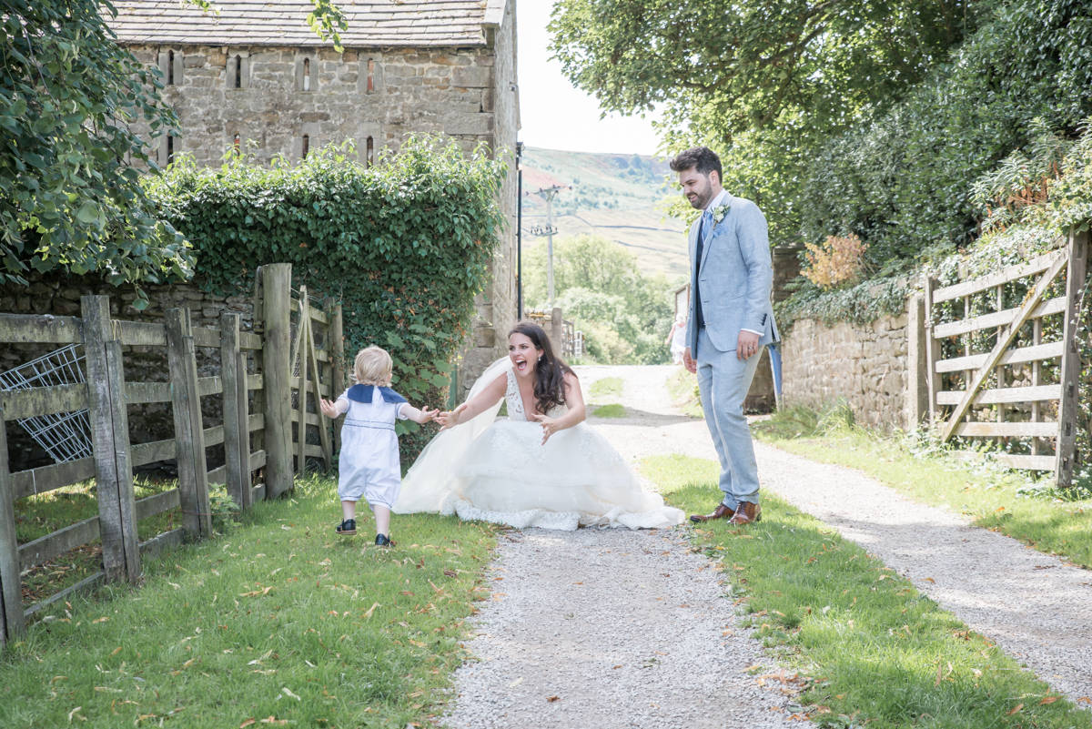 Yorkshire Wedding Photographer - Natural Wedding Photography - Burnsall Wedding Photographer (23 of 33).jpg