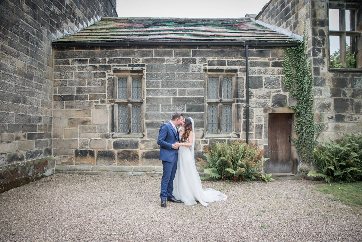 east riddlesden hall wedding photographer - wedding photographer east riddlesden hall (1 of 11).jpg