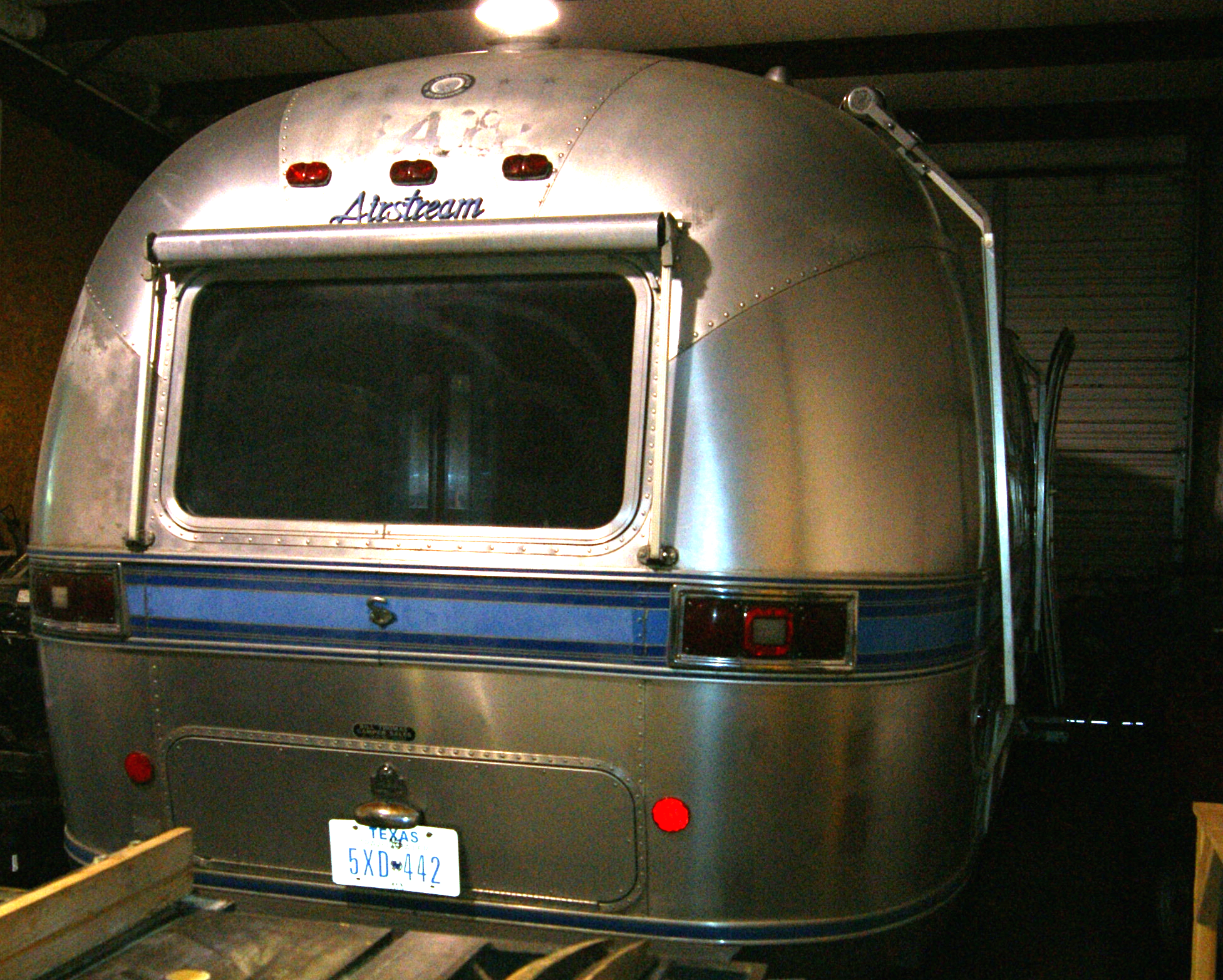 1983 28' Airstream in garage