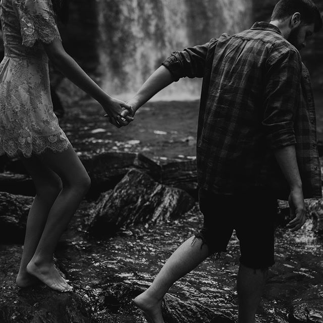I grew up taking family vacations in the blue ridge mountains, hopping around on rocks in these rivers and making up love stories in my head. Getting to do that now, but actually telling real ones through photographs is some real mind blowing full circle ish. 🖤