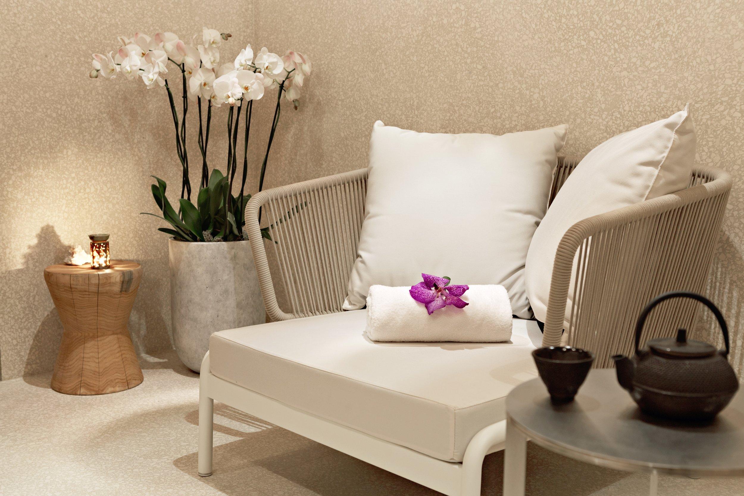 Hotel Cafe Royal - Akasha - Pre Treatment Room.jpg