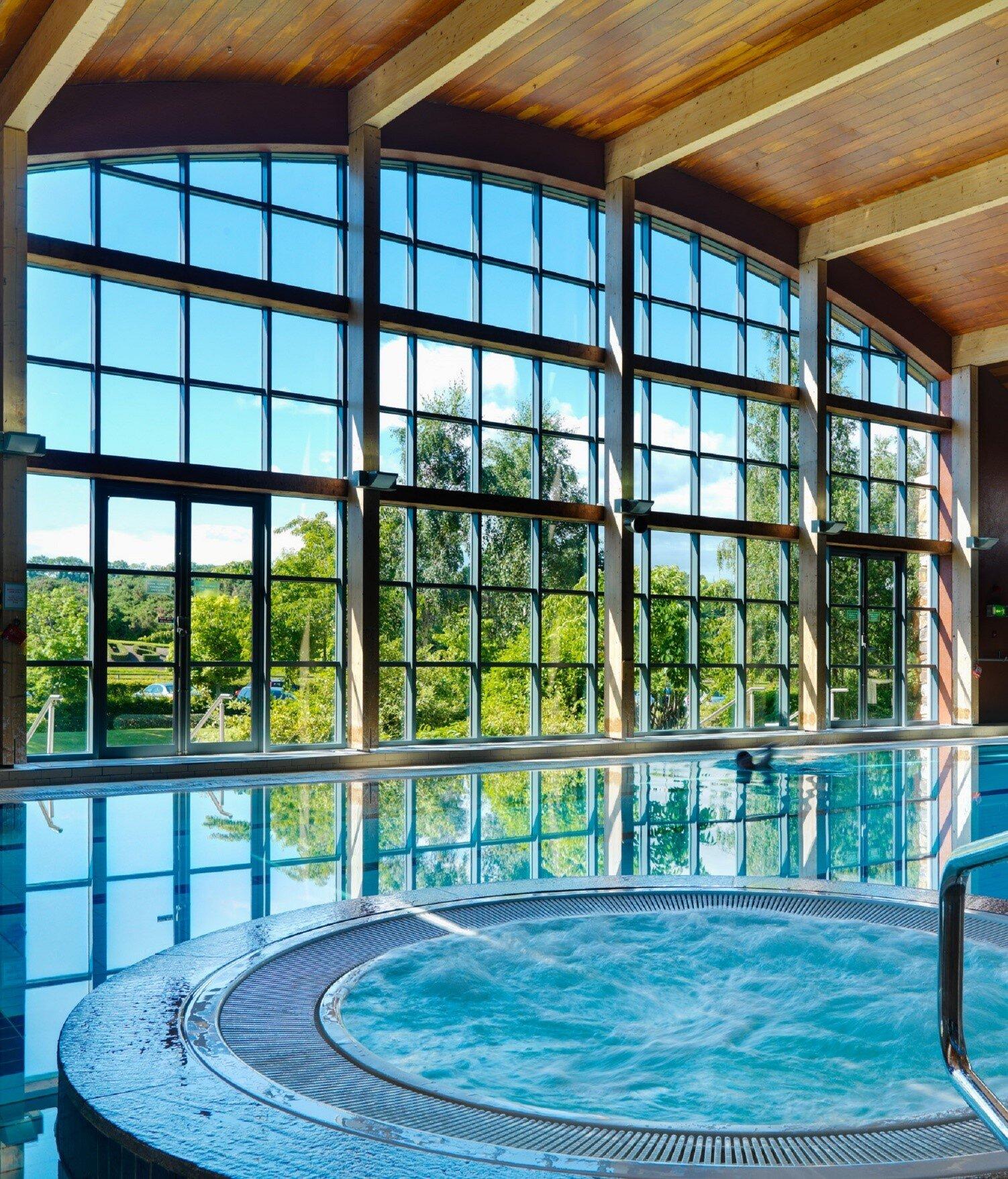 Swimming Pool[75546].jpg