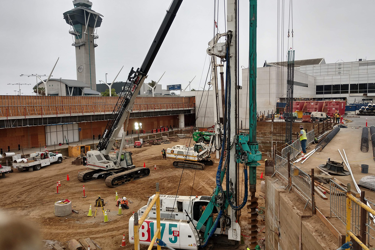 aldridge-electric-top-best-infrastructure-developers-construction-lax-airport-terminal-expansion-runway.jpg
