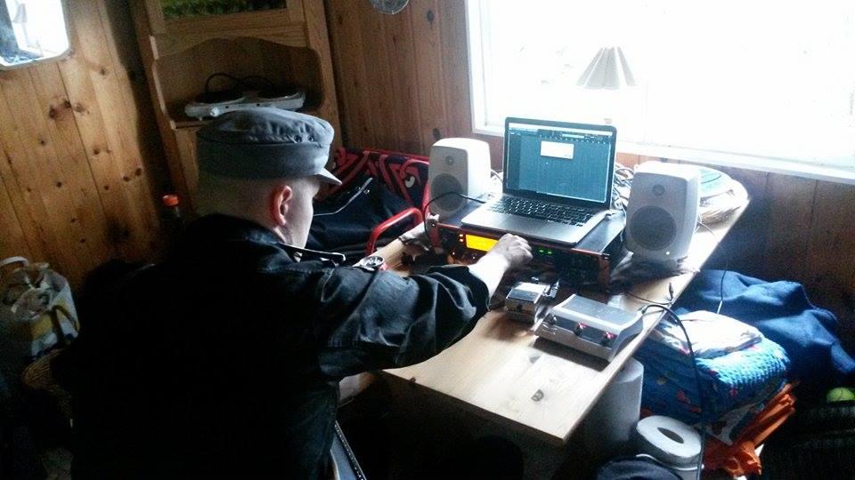 Mikander working.