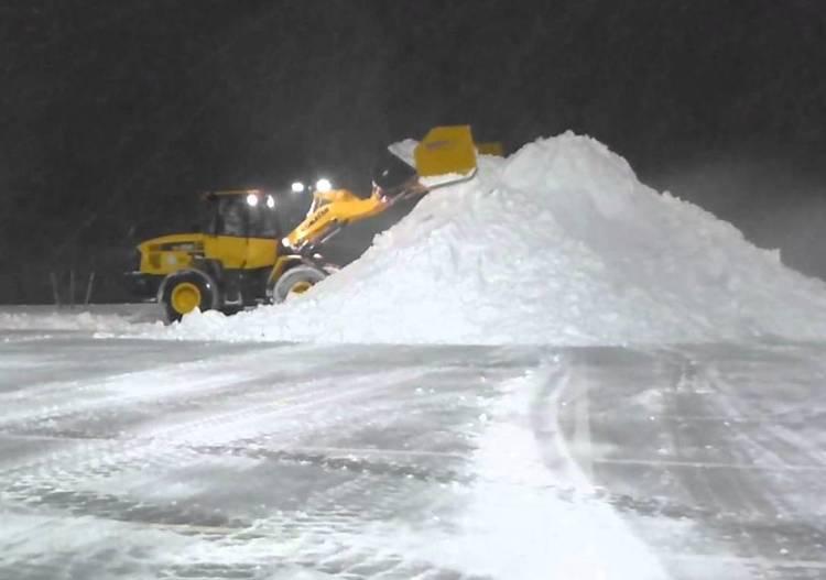 loader+snow.jpg