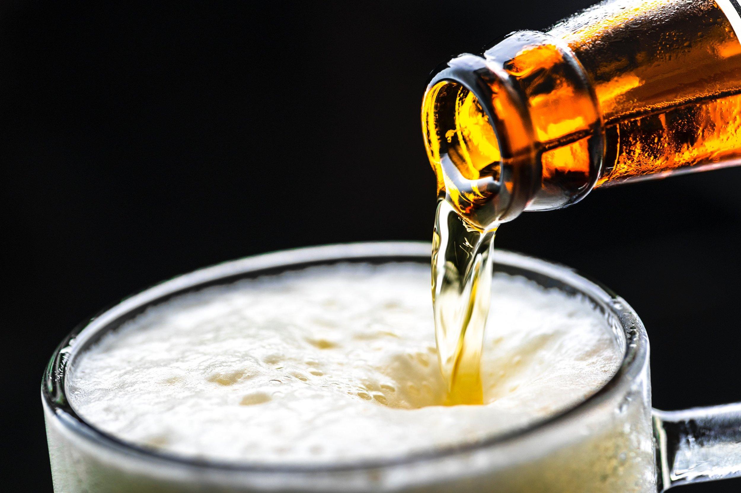 alcohol-beer-beverage-1128975.jpg
