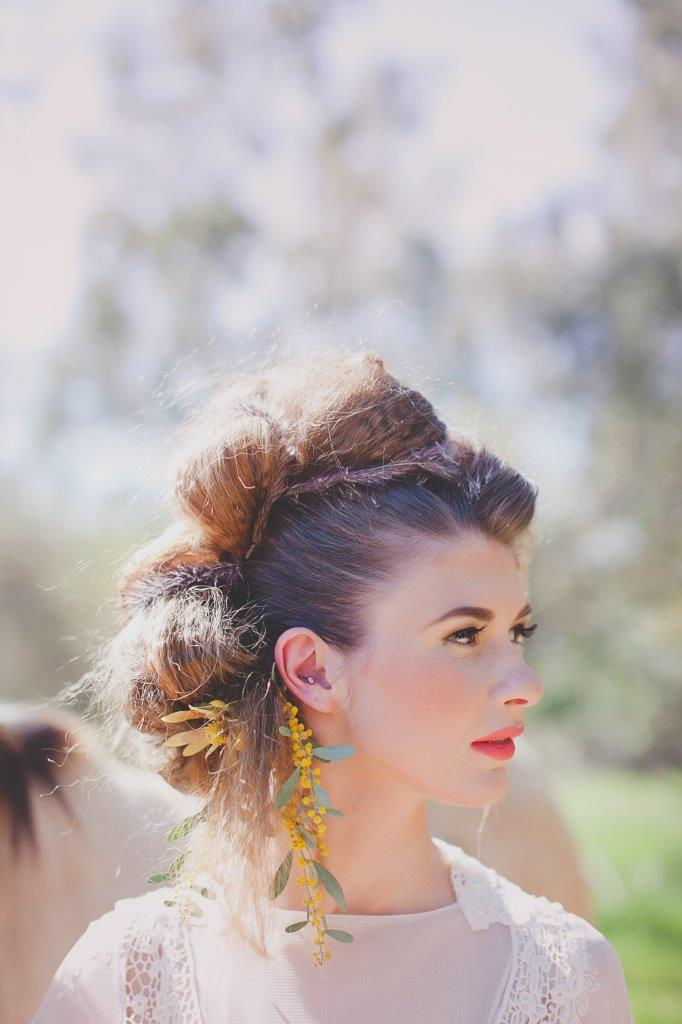 wild and pretty come together for a fabulous outdoor wedding look!