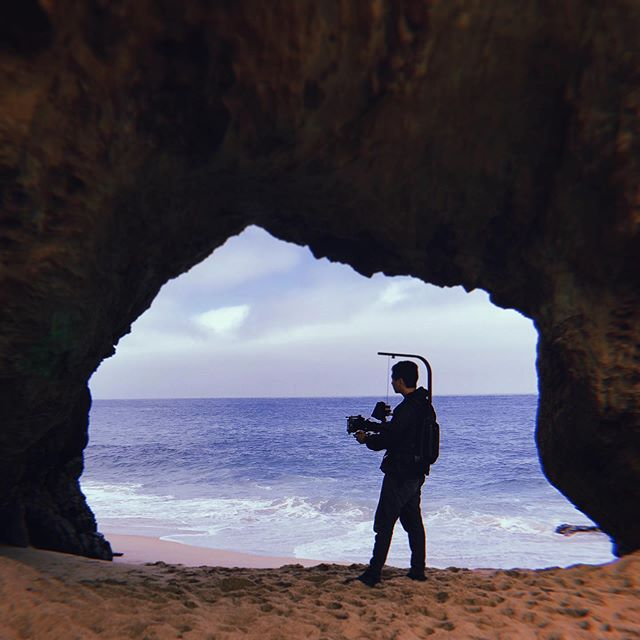What's your favorite type of locations to film at? 🎬🎥 Mines definitely NOT the beach lol but it DOES make for some dope images! 🏖☀️Shout out to the homie 📸 @timlschafer for the pic! #filmmaker #beach #filmmaking #reddigitalcinema #redcamera #easyrig #reddragon #redscarletw #sigma #cameraop #directorofphotography #fujifilm #photography