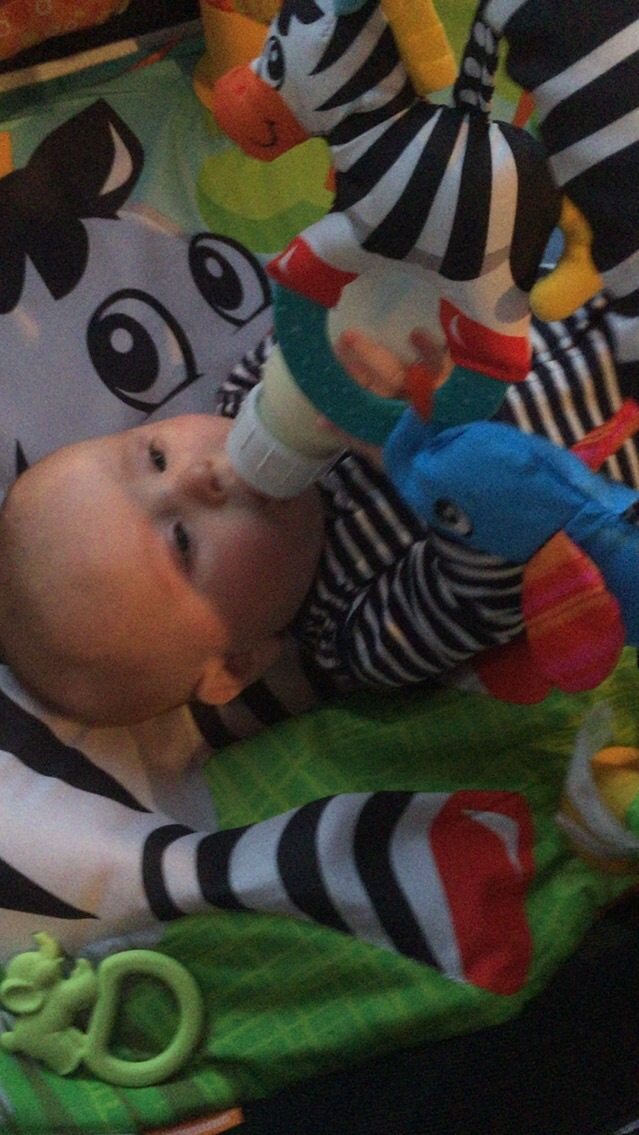 And at the end of this great day Nico decided he wanted to hold his bottle! Such independence