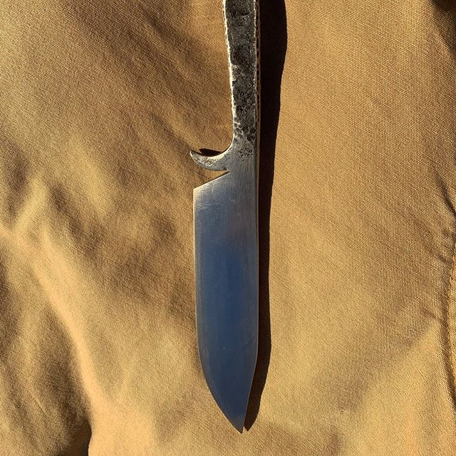 Spike knife, I'm liking the results. #nickberardistudios  #blacksmithing  #forged  #forgedknife