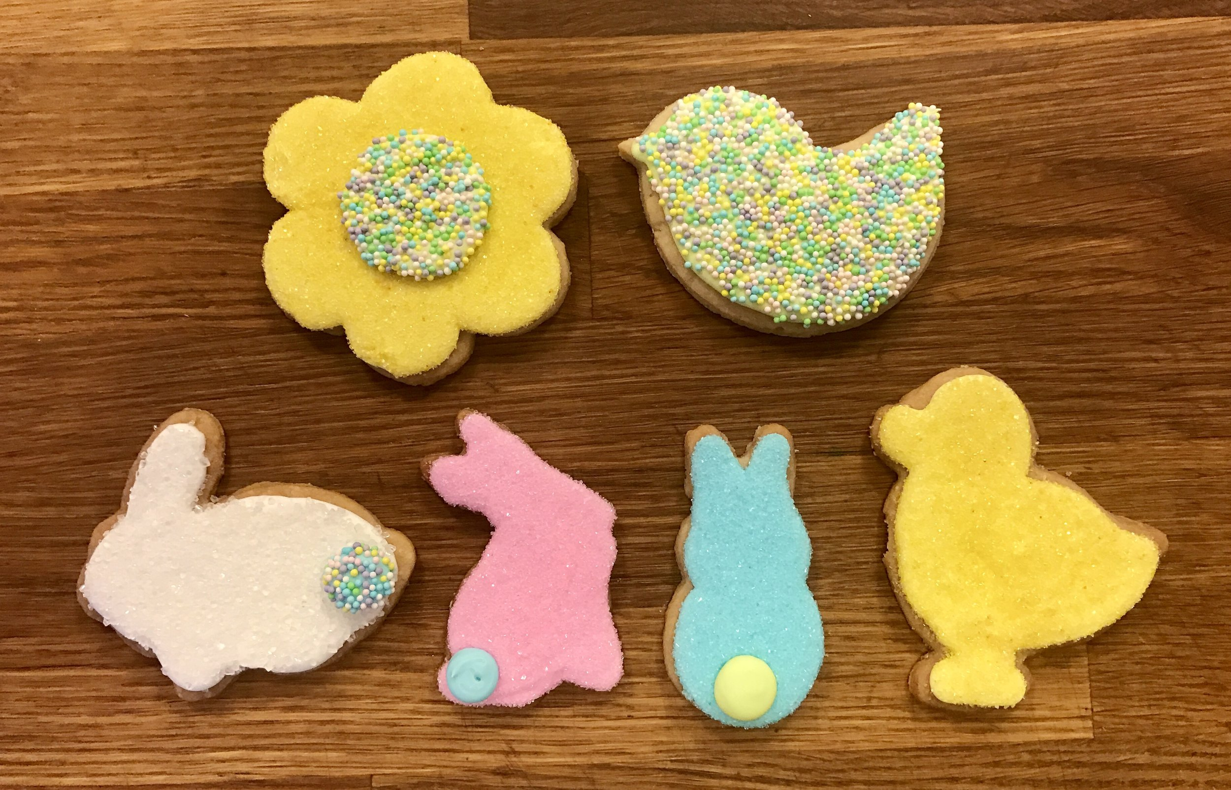 Decorated Easter Shortbread Cookies
