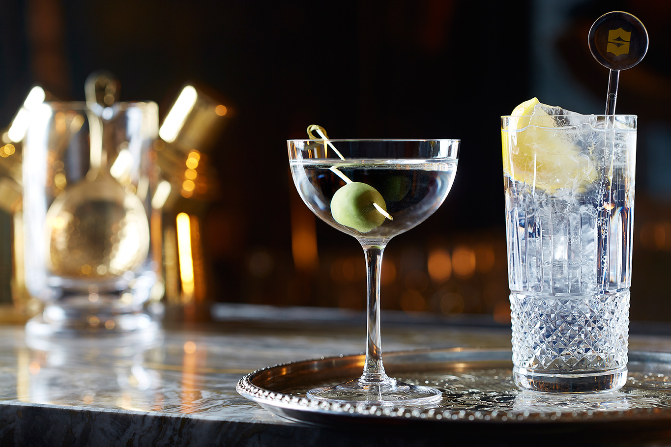Classic-cocktails-Gong-at-Shangri-La-Hotel-At-The-Shard-London.jpg