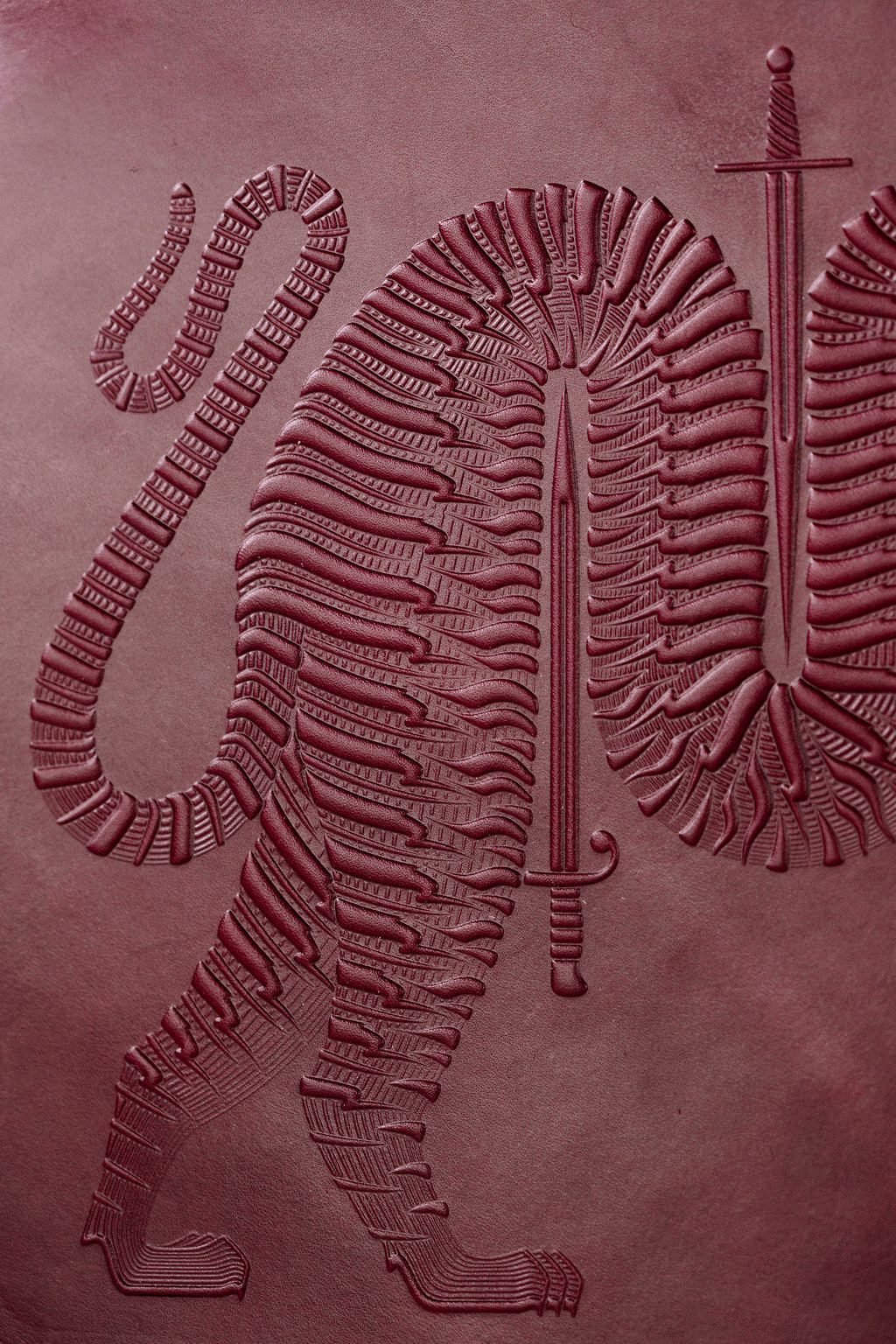 Folio-animal-handmade-oxblood-zipper-folio-bag-2.png