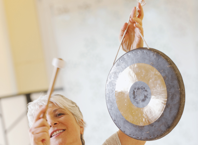 woman small gong.jpg