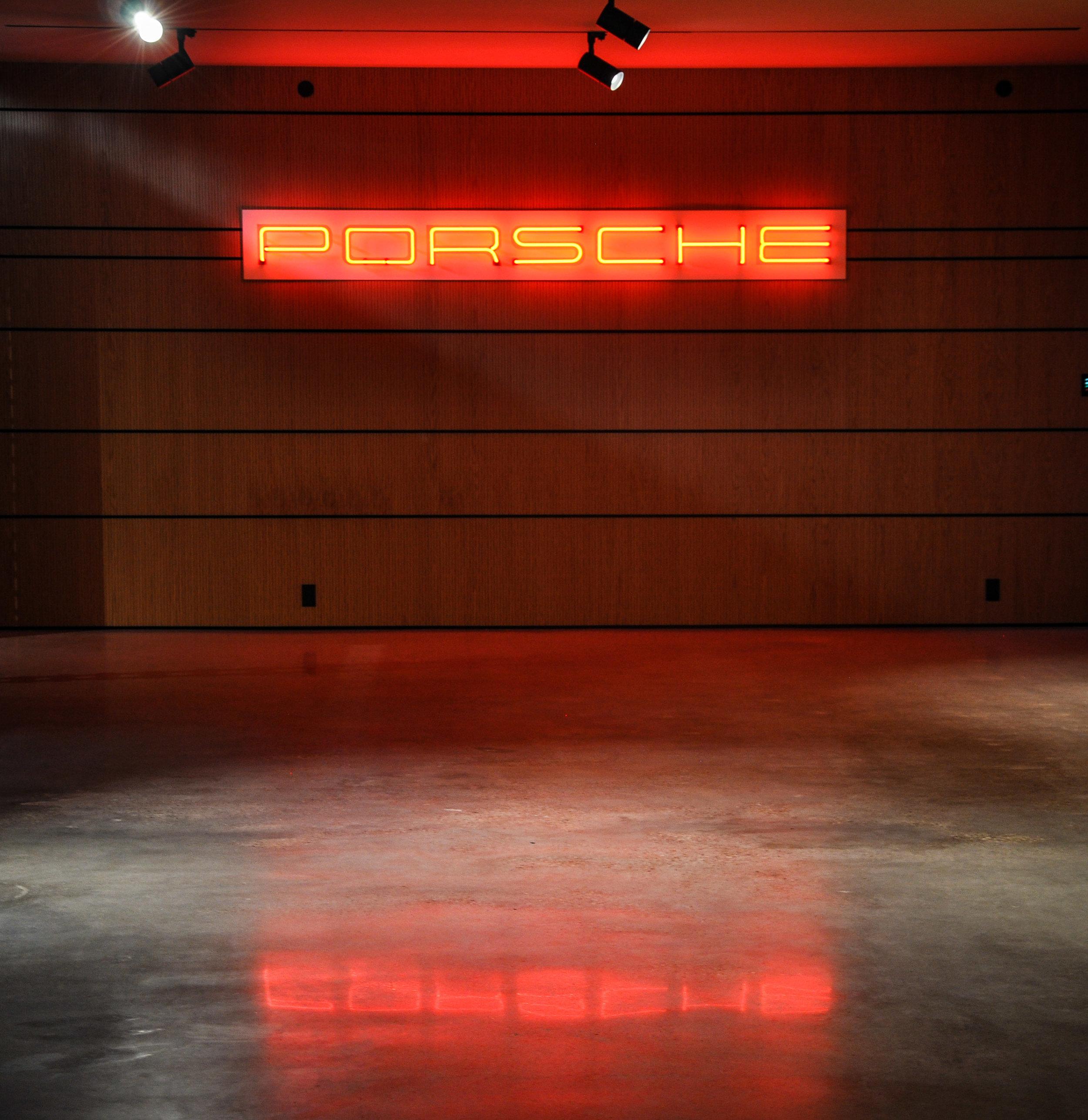 Porsche_01.jpg