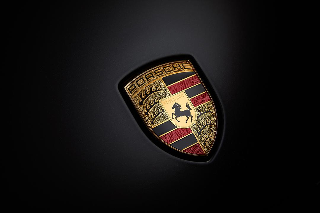 Panamera badge.jpg