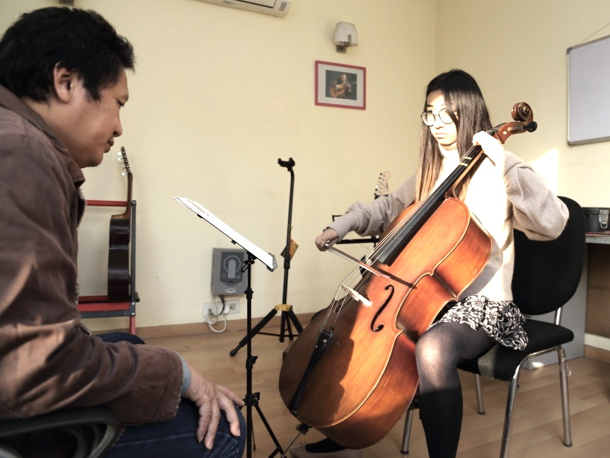 Cello lesson in session at our academy in Gurgaon