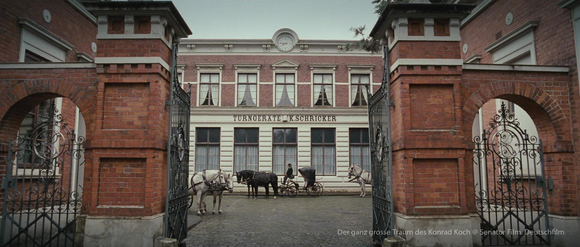 Der Ganz grosse Traum des Konrad Koch Daniel Brühl Filmset Thomas Freudenthal Production Design Szenenbild Hamburg Germany