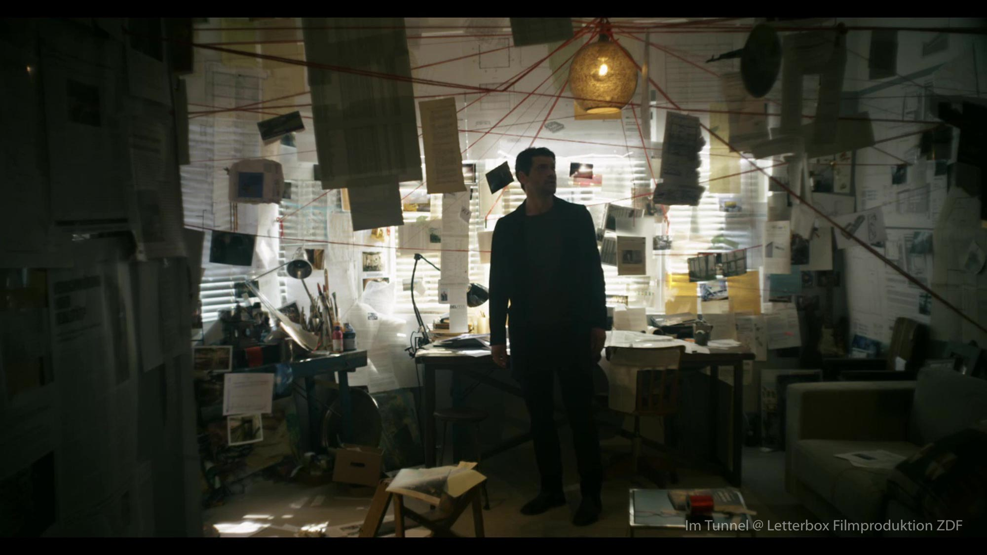 Im Tunnel Szenenbild Thomas Freudenthal Regie Kai Wessel