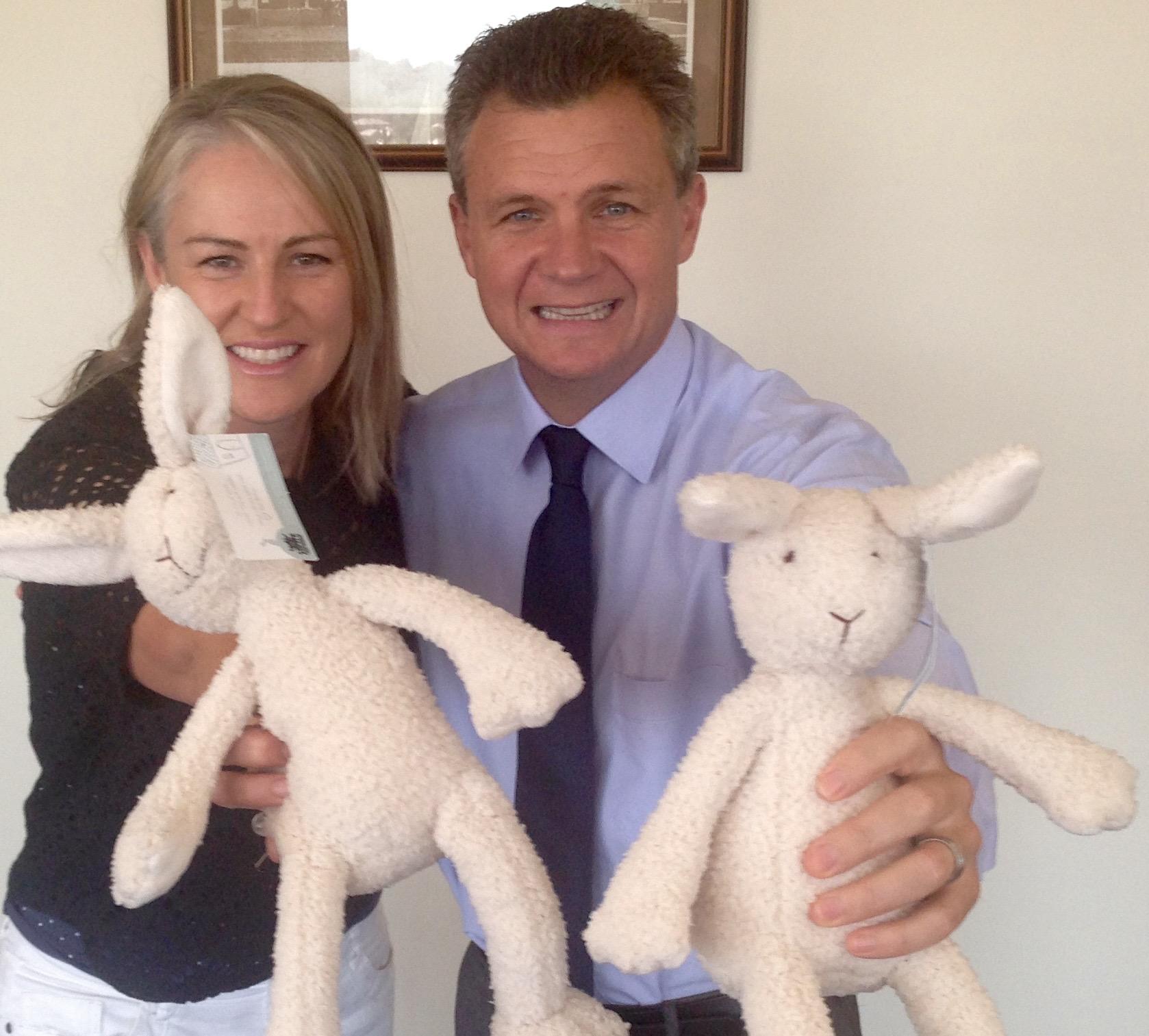 bonnie-the-bunny-matt-thistlethwaite-the-change-angels.jpg