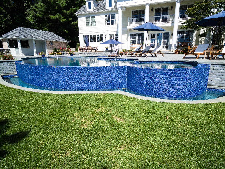 5-vanishing-edge-Custom-Pool-Design-NJ.jpg