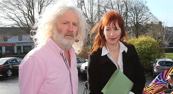 Mick Wallace Clare Dalysee  arrest at Shannon Airport 2014
