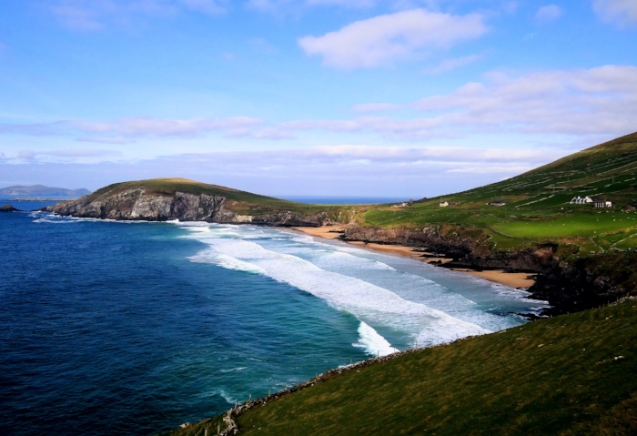 By  Bjørn Christian Tørrissen - The beach between Slea Head and Dunmore Head on the Dingle Peninsula, Ireland, location where scenes for Ryan's Daughter were filmed.